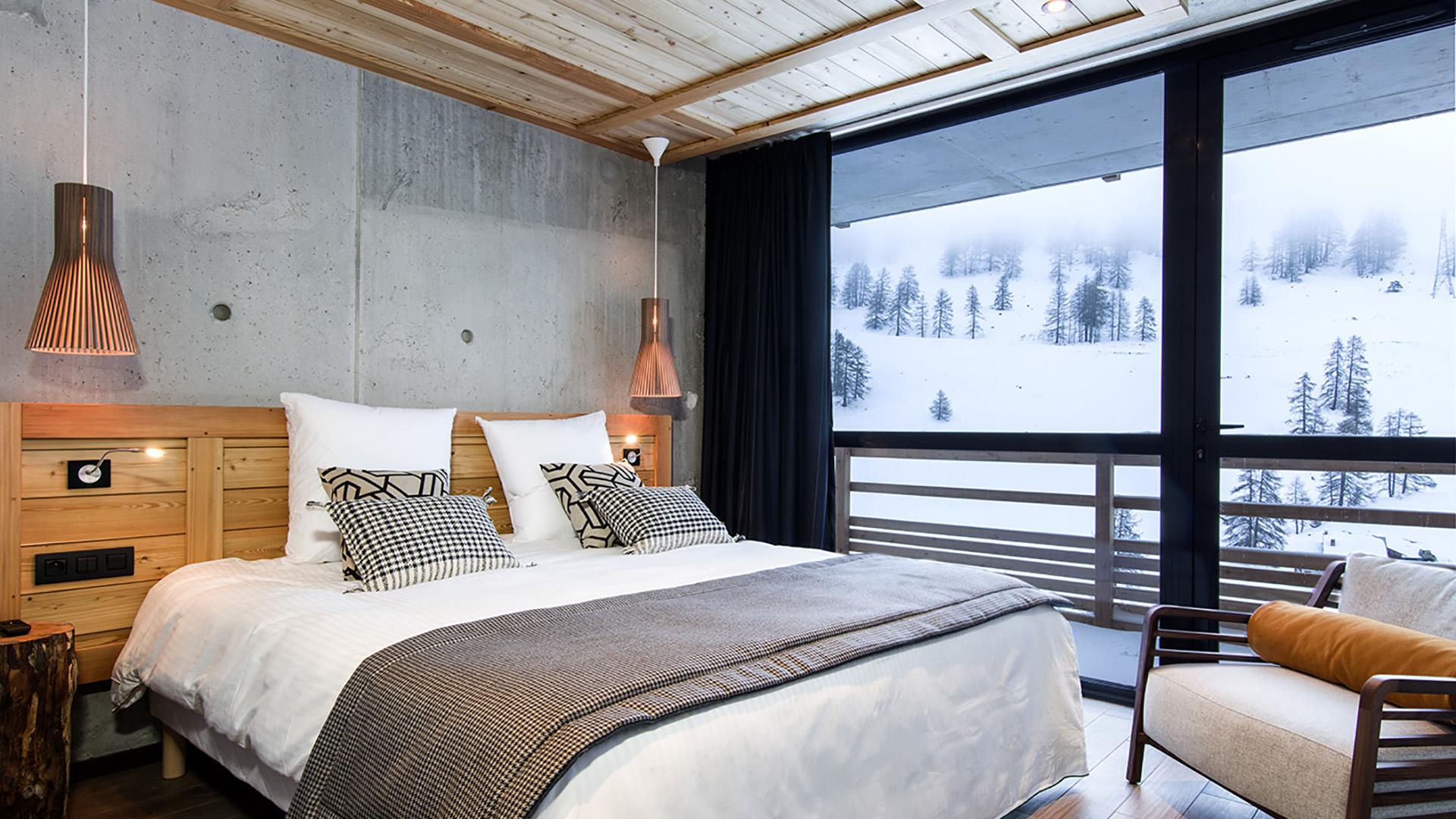 Hotel design 4 toiles au pied des pistes de vars risoul for Design hotel ski